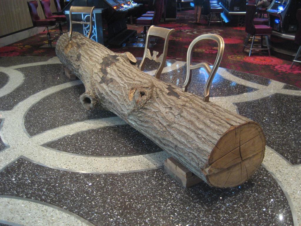 tree bench in las vegas wohn blogger. Black Bedroom Furniture Sets. Home Design Ideas