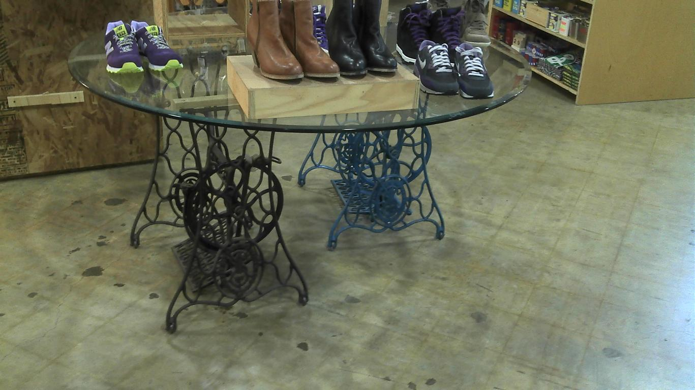 Nähmaschinen Tisch